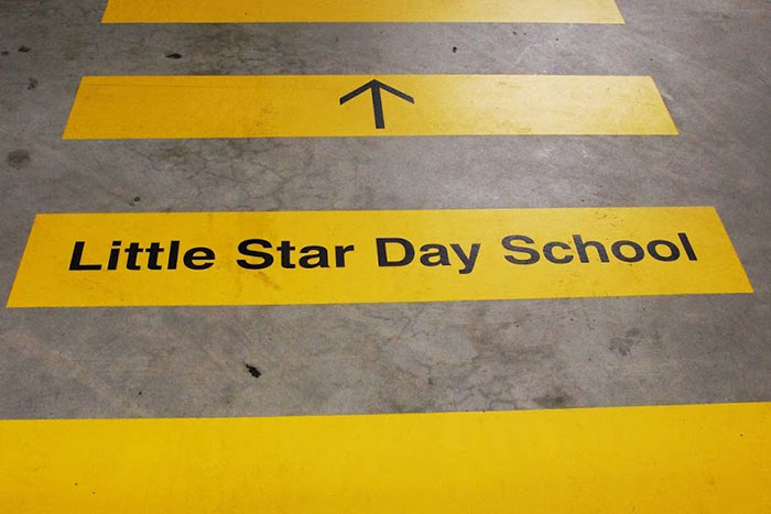 Little Star Day School Fussgängerstreifen